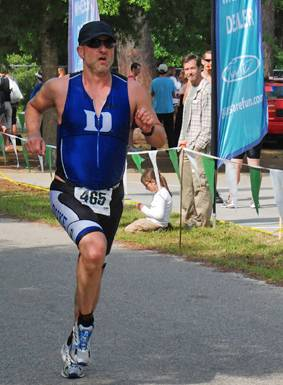 Noah Pickus competes in a Triathlon
