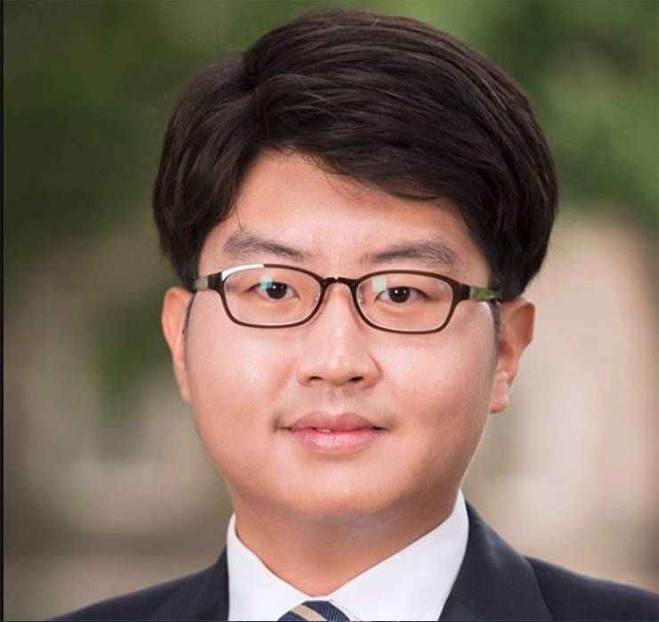 Seongwoo Hong, de la Oficina de Educación Biomédica de Graduados de Duke, es miembro del Coro de la Capilla de la Universidad de Duke.  Foto cortesía de Seongwoo Hong.