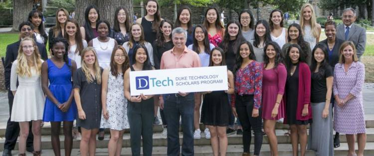 Eddy Cue with DTech students. Photo by Duke Photography
