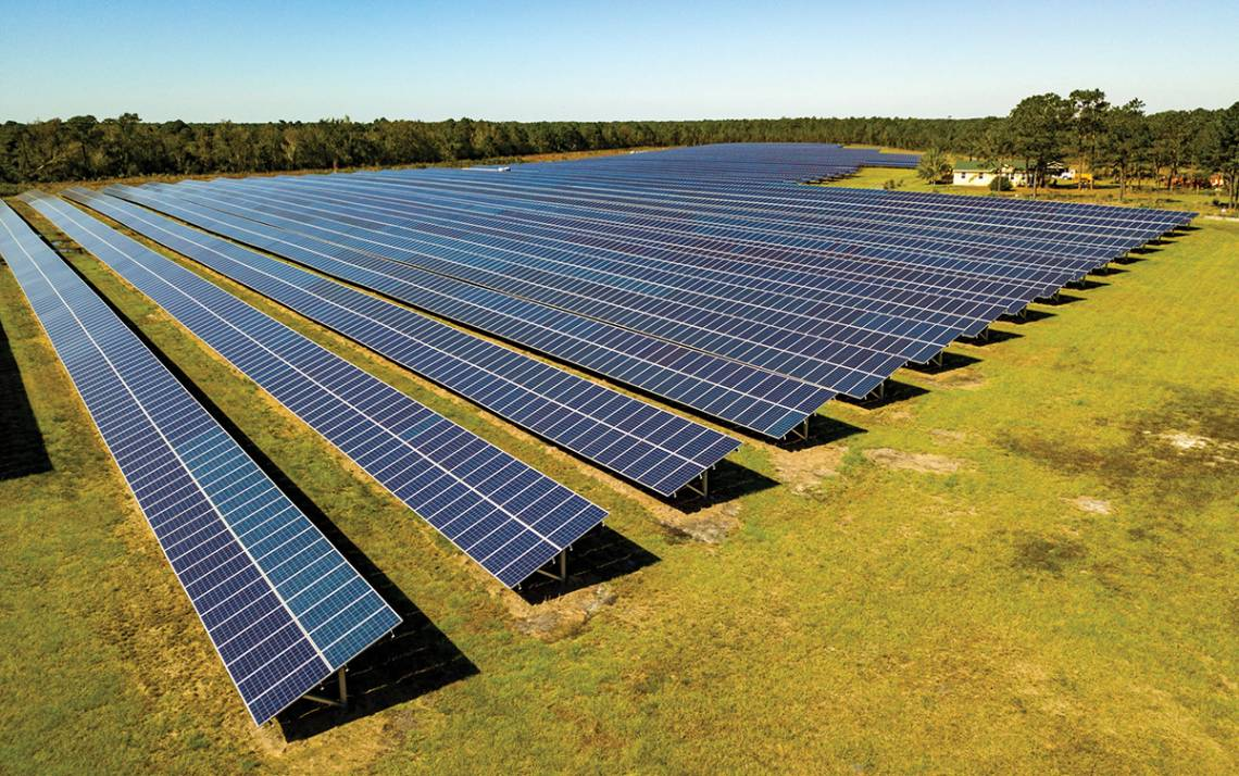 Duke will partner with Pine Gate Renewables, which operates solar facilities such as this one in Hampstead, to create three new facilities by 2022. Photo courtesy of Pine Gate Renewables.