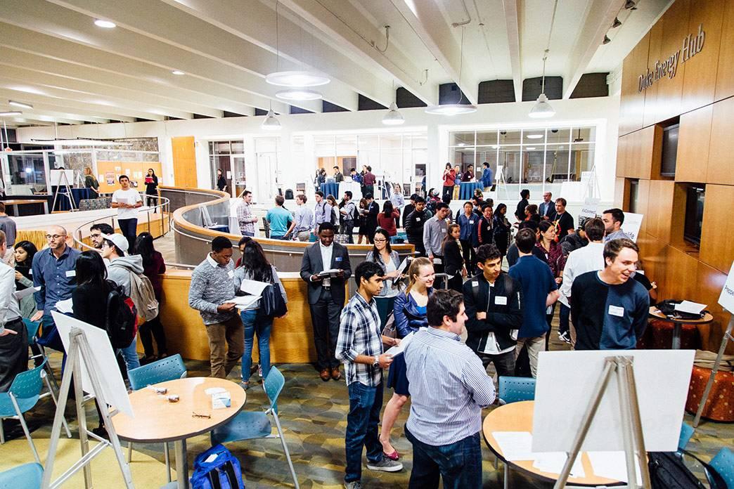 Students meet alumni entrepreneurs at the StartupConnect Networking Fair. Photo by Pilar Tiimpane