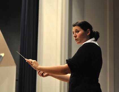 Verena Mösenbichler-Bryant conducts the Duke University Wind Symphony. Photo courtesy of Verena Mosenbichler-Bryant.