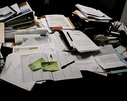 A messy desk can minimize efficiency.