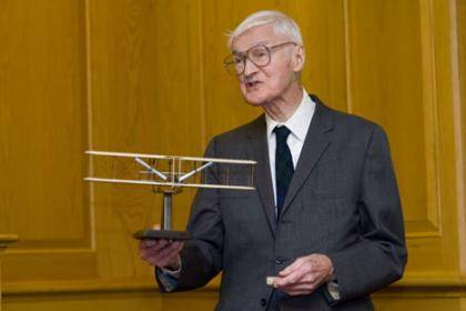 Professor I.B. Holley holds the Air Force Historical Foundation award named in his honor. Photo credit: Jon Gardiner/Duke University Photography