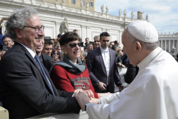 Marc Zvi Brettler and Amy-Jill Levine meet with the Pope in Rome.