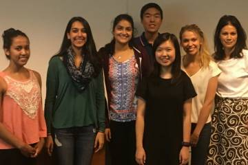 Thirteen undergraduate students, led by CAGPM Director Geoff Ginsburg, GCB Director Greg Wray, GCB Assistant Director Greg Crawford, and Associate Professor Susanne Haga, will investigate two issues facing precision health and medicine: family health hist