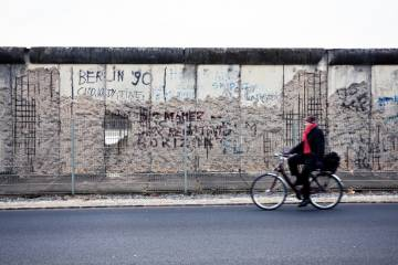 Dirk Philipsen: Fall of Berlin Wall Laid Bare Wounds Of War