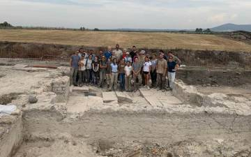 Maurizio Forte's Vulci 3000 research team gathers at the excavation site in rural Italy. Photo courtesy of Maurizio Forte.