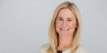 Lori Cashman PPS'94 switched from a career in private equity to starting her own firm, Victress Capital, to invest in companies led by women