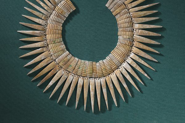 collar shell from Peru