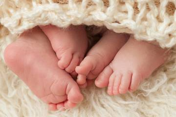 baby twins feet